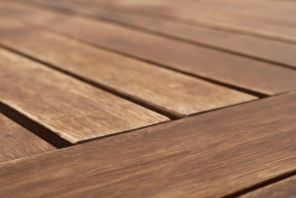 cómo proteger la madera de exteriores