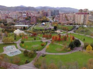 Una plaga de ratas invade el parque Europa en Bilbao